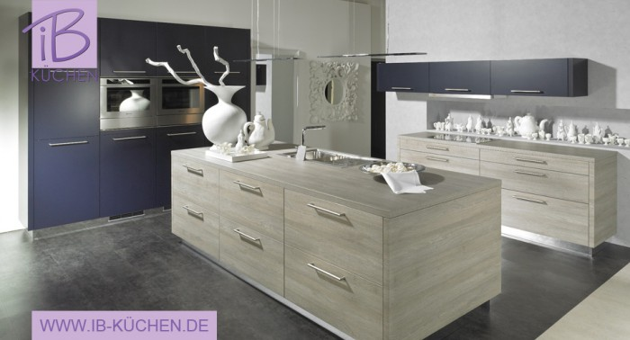 alno k chen schwarz mit glasfront die neuesten innenarchitekturideen. Black Bedroom Furniture Sets. Home Design Ideas
